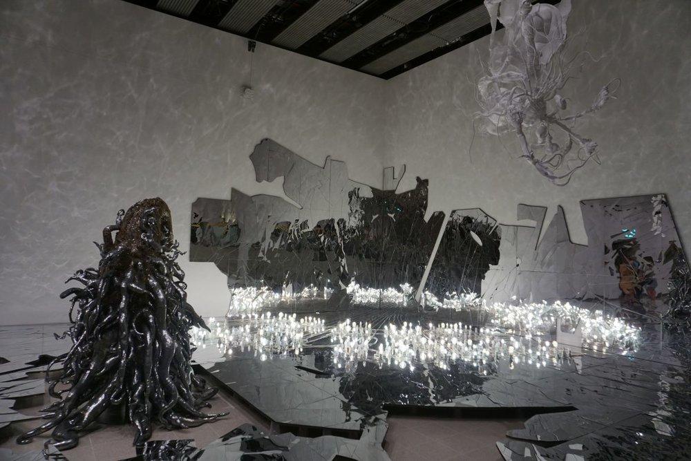 Monster Black + Installation