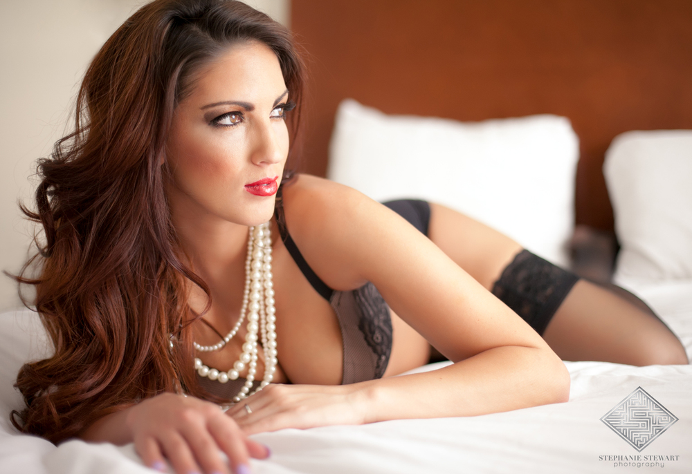 Albuqueque-New-Mexico-Pearl-Necklace-Boudoir-Sexy-Lingerie-Stephanie-Stewart-Photography