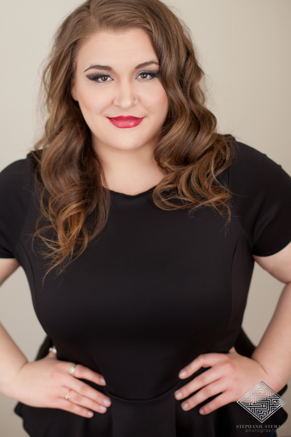 Glamour-Shot-Portrait-Photographer-Plus-Size-Curvy-Women-Glamour-HeadShots-Intimate-Red-Lip-Albuquerque-Stephanie-Stewart-Photography-NBExclusive
