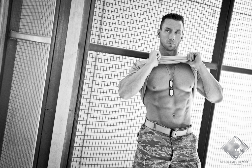 Mens-Physique-Fitness-Military-Shirtless-Dog-Tags-Albuqueque-NM-Stephanie-Stewart-Photography
