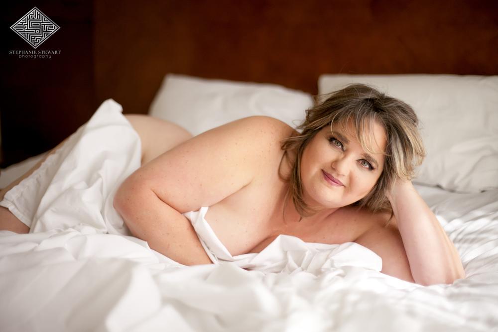 Albuquerque-Plus-Size-Curvy-Mature-Women-50's-Boudoir-Nude-Sheets-Stephanie-Stewart-Photography-NBexclusive