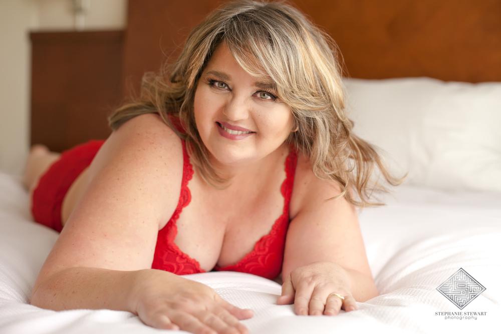 Albuquerque-Boudoir-Rio-Rancho-Mature-Curvy-Plus-Size-Women-Red-Lingerie-Stephanie-Stewart-Photography-NBExclusive