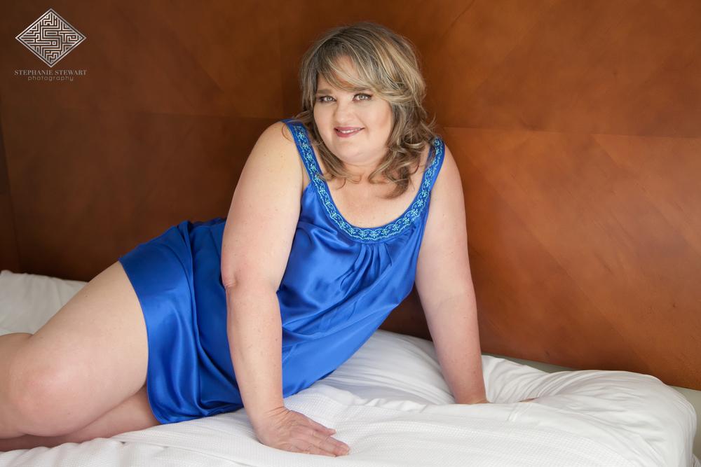 Albuquerque-Boudoir-Mature-Curvy-Plus-Size-Women-Chemise-Glamour-Stephanie-Stewart-Photography-NBExclusive