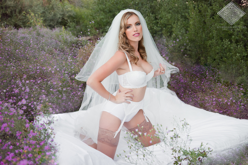 Albuquerque-Bridal-Boudoir-Purple-Flowers-Glamour-Stunning-Grooms-Gift-Stephanie-Stewart-Photography-NBExclusive-Nicloes-Boutique-The-Diamond-Supplier-505