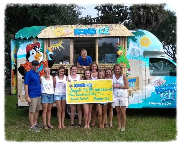 Festival of Flight goers with the Kona Ice Shaved Ice truck.