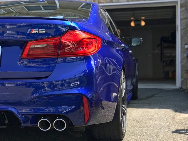 Another cement removal for this brand new BMW M5. Full paint correction and 22PLE applied after to keep it safe and protected for years. 👌🏻 Schedule your car now! #autoluxe #luxelifeornolife #bmw #f90 #detailsdoneright #detailingboost #m5 #detailed #e4l #exotic #exotics4life #instacar #luxury4play #luxury #motor_head_ #performance #itswhitenoise #thebillionairesclub #ridiculouslifestyle #lavish #carswithoutlimits #carporn #carinstagram #avantbleu #envisionbleu #tristate #elite #carlifestyle #cupgang