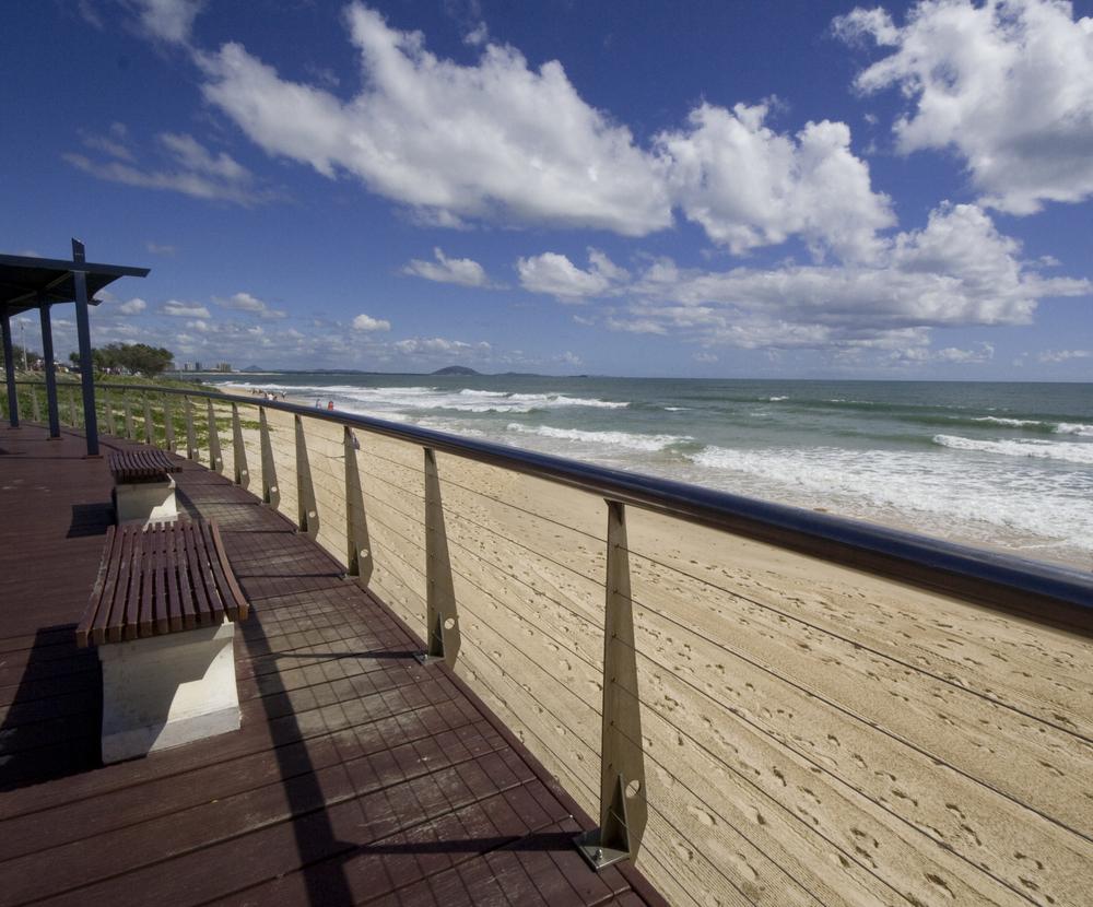 Dockside_apartments_Mooloolaba_beach