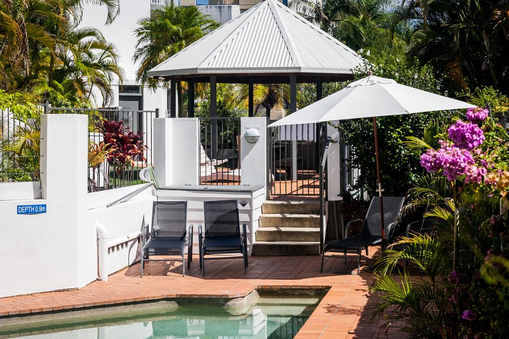 Pool_gardens