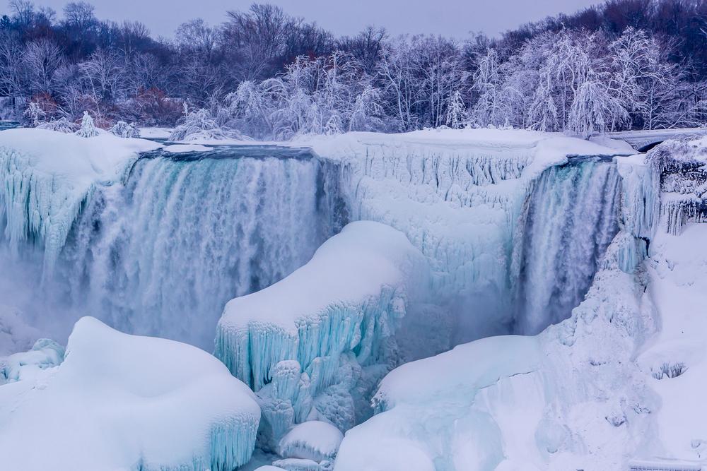 niagara falls in ice.jpg