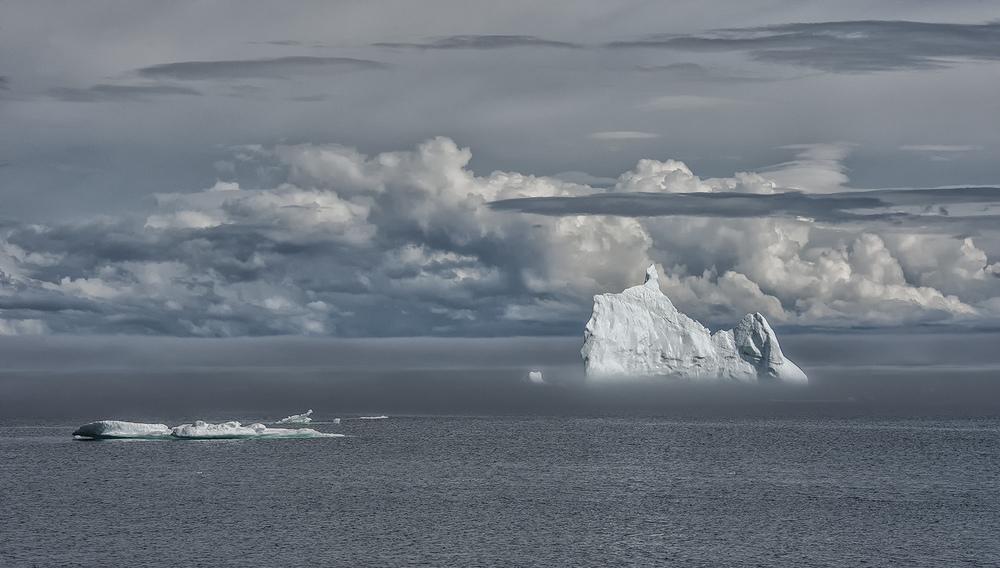 newfoundland iceberg - Copy.jpg
