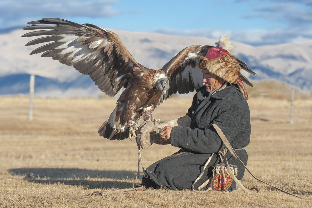 eagle hunter and golden eagle2.jpg