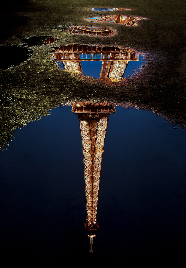 eiffel tower reflection.jpg