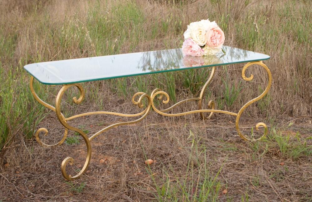 Lola Table