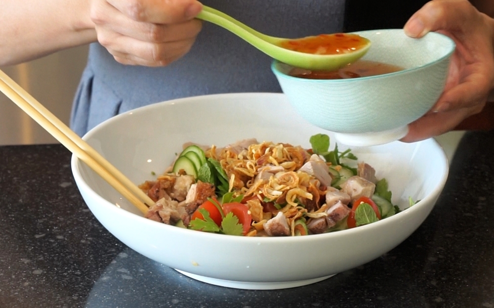 Vietnamese dipping sauce as salad dressing