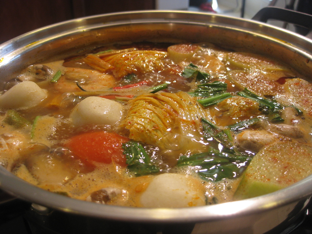 hot pot tom yum