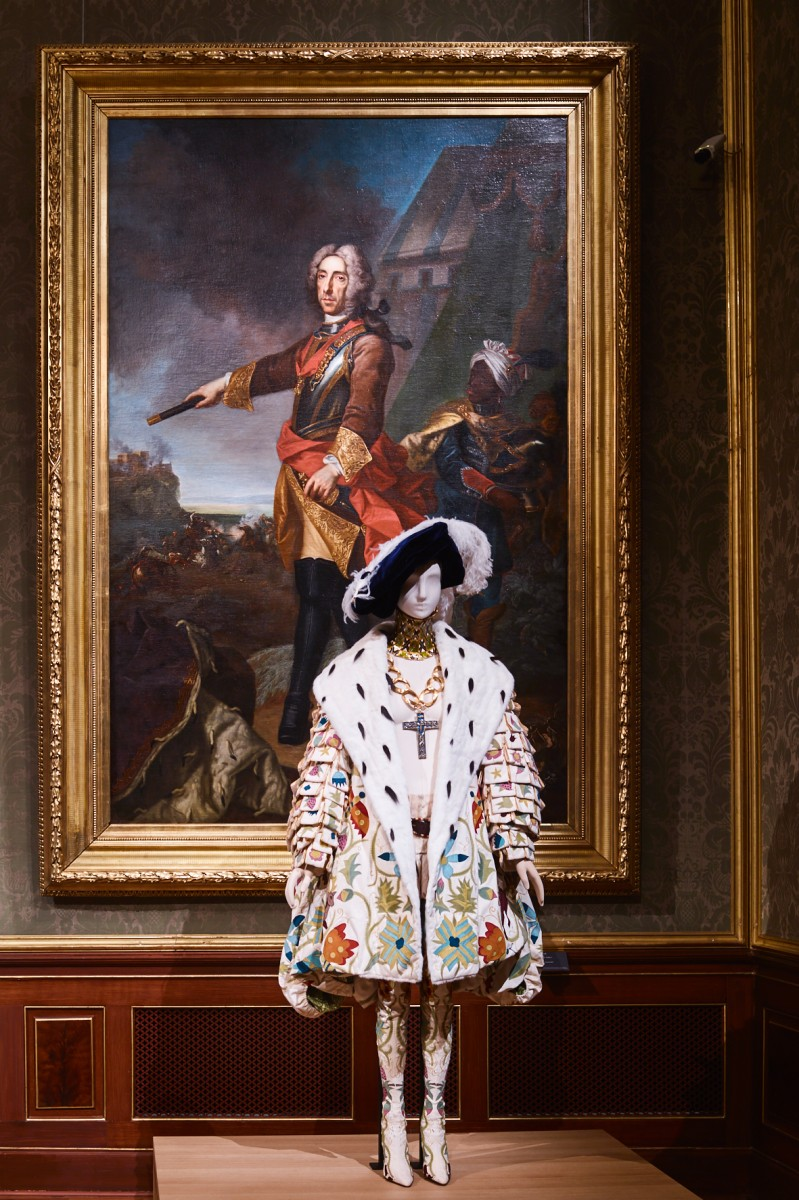 View from Exhibition 'The Vulgar: Fashion Redefined'. Photo from Belvedere http://www.winterpalais.at/