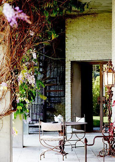 color.me.quirky. outdoor living & lounging