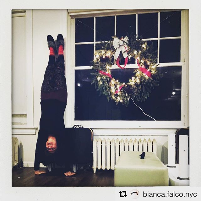 ❄️ Get upside down before the new year! You'll be glad you did! 🎄 📷 @bianca.falco.nyc  #brooklynheightspilates