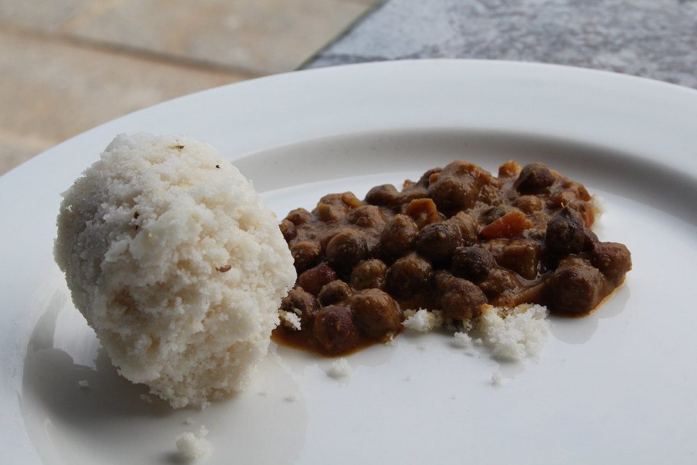 Puttu with a chickpea curry