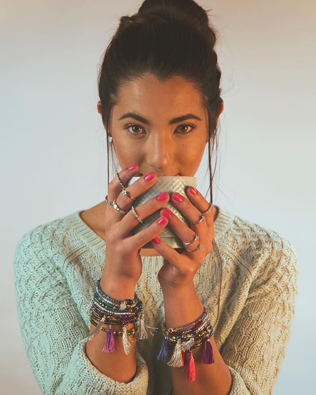 Fall Is Here 🍂 What will you create? Model @sachikoleilani @bettyrosebyalanna 📸@robertimesa @bead_bottle @peyotebirdjewelry #beadbottle #forhergifts #yogajewelry #diylove #diygram #diynetwork #beadbottlecollection #pbd #love #diyfashion  #giftsforher #postoftheday #fallishere #whatwillyoucreate