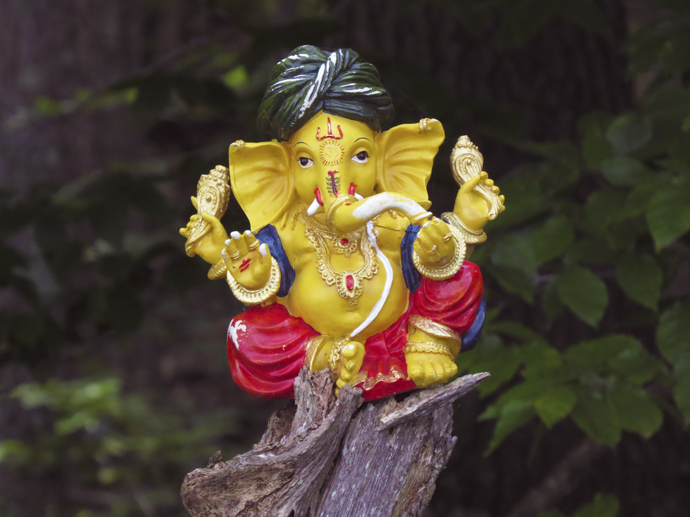 ganesh-india-statue-water-ceremony-nature-outdoors-gods