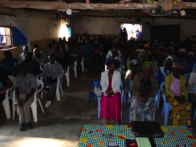 Photo from a 6am meeting for Bible teaching in Saurimo.