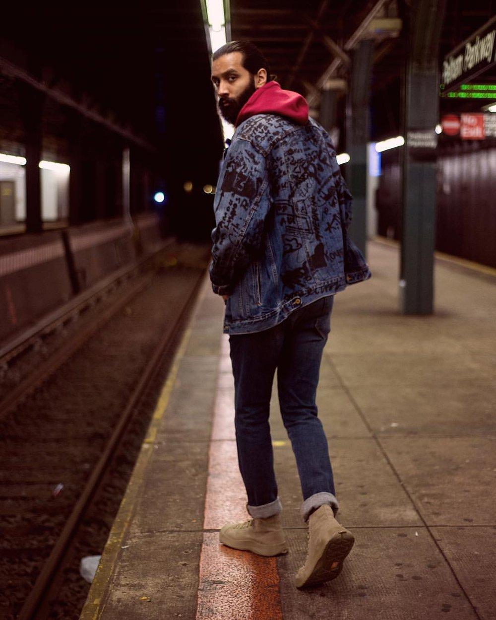 Currently creating 🔃  #NorthofMAN •  Framed by @LifeinReverie •  .  .  .  .  .  #mensfashion #style #blogger #stylish #editorial #dappercollection #maleblogger #menswear #newyork #streetstyle #mensfashionreview #pursuitofportraits #mnswrmagazine #dapperculture #editorialphotography #streetwear #hypebeast #highsnobiety  #cfda #portrait #model #menswear  #snobshots #shareyourstreetstyle #fashionphotographer  #nymodel #nikonnofilter #streetdreamsmag  #highfashion (at Bronx, New York)