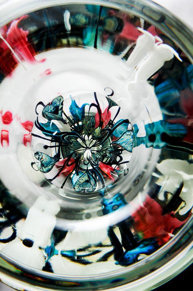 Lotton Multicolor Bleeding Heart Vase 2 - 11x9 white.jpg