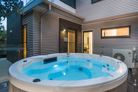 Outdoor Hot Tub!