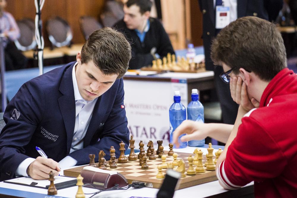 Чемпион догоняет лидеров: Владимир Барский комментирует избранные партиичетвертоготура