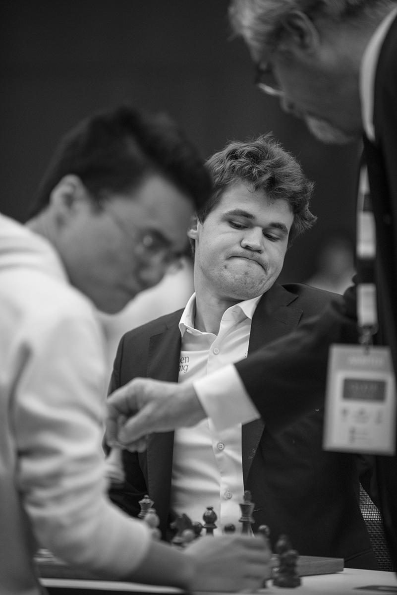 r_20151229_qatar_masters_tie_break_0275_Carlsen.jpg