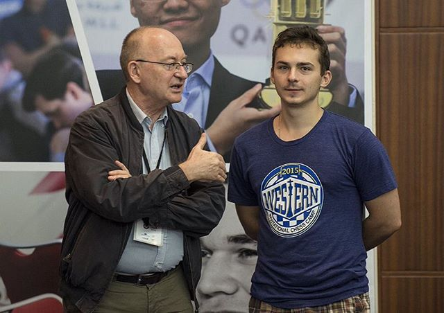 Legendary coach Adrian Bohdanovych Mikhalchishin, giving some advice to @alexanderipatov93  Photo: @davidllada #Qatar_Masters