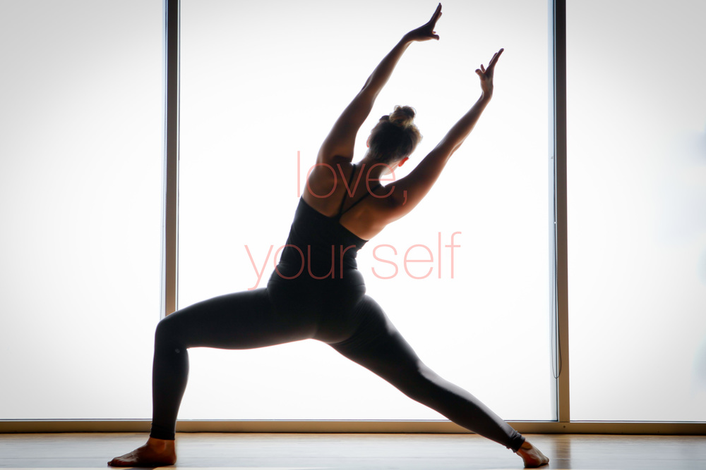 yogi inversions strength chicago yoga filtered light prime lens -0004.jpg