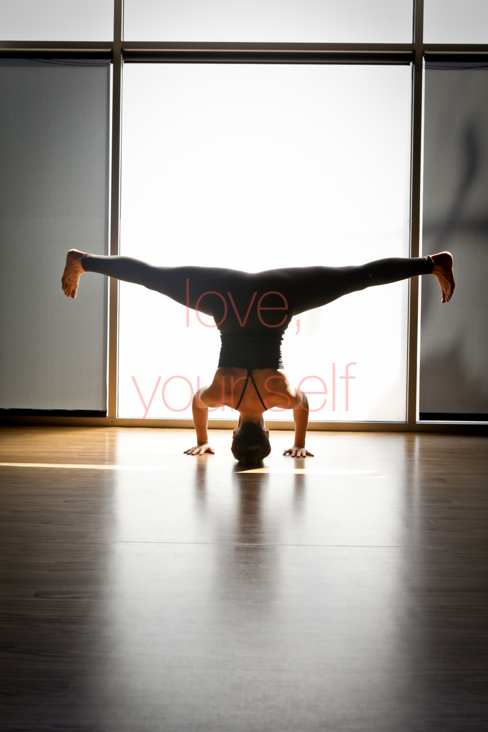 yogi inversions strength chicago yoga filtered light prime lens -0007.jpg