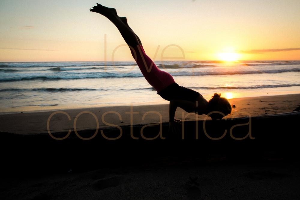 chicago photographer to costa rica yoga retreat lifestyle photography prime lens pranamar core power yogi beach yoga pose-008.jpg