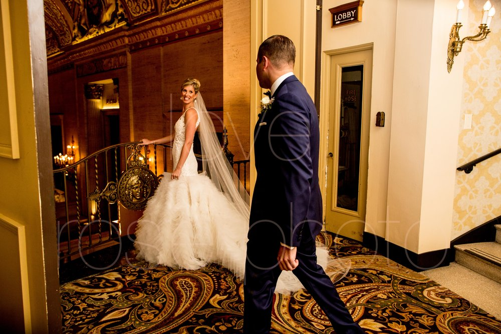 downtown spring wedding palmer house jewish galleria marchetii lazara gown by Rose Photo -9.jpg