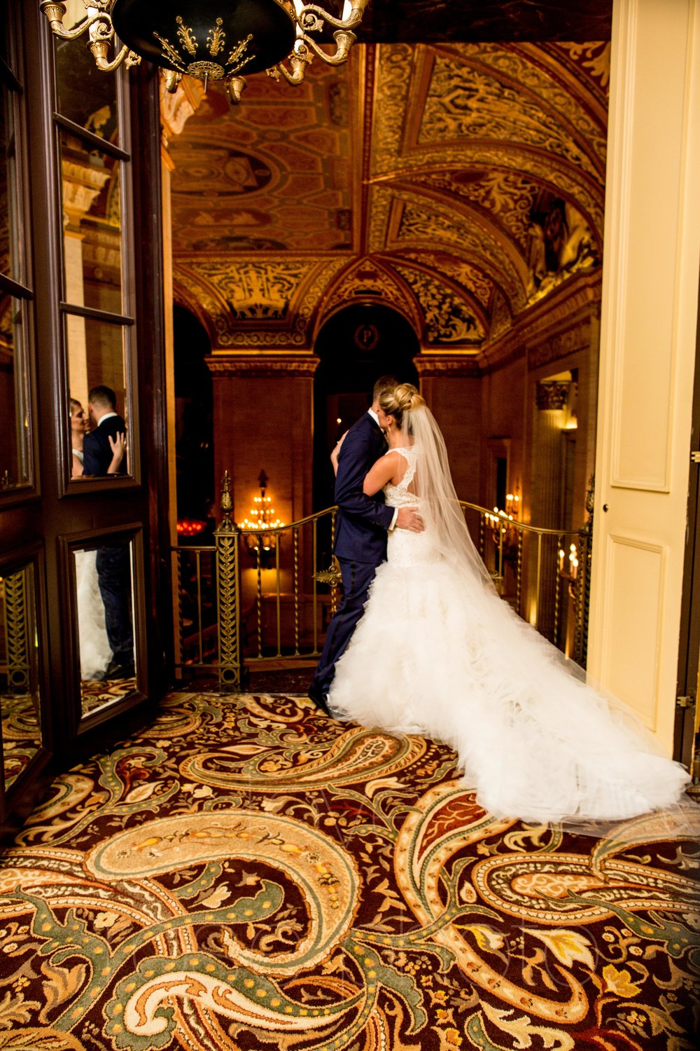 downtown spring wedding palmer house jewish galleria marchetii lazara gown by Rose Photo -10.jpg