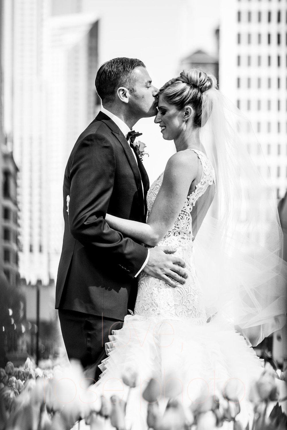 downtown spring wedding palmer house jewish galleria marchetii lazara gown by Rose Photo -21.jpg
