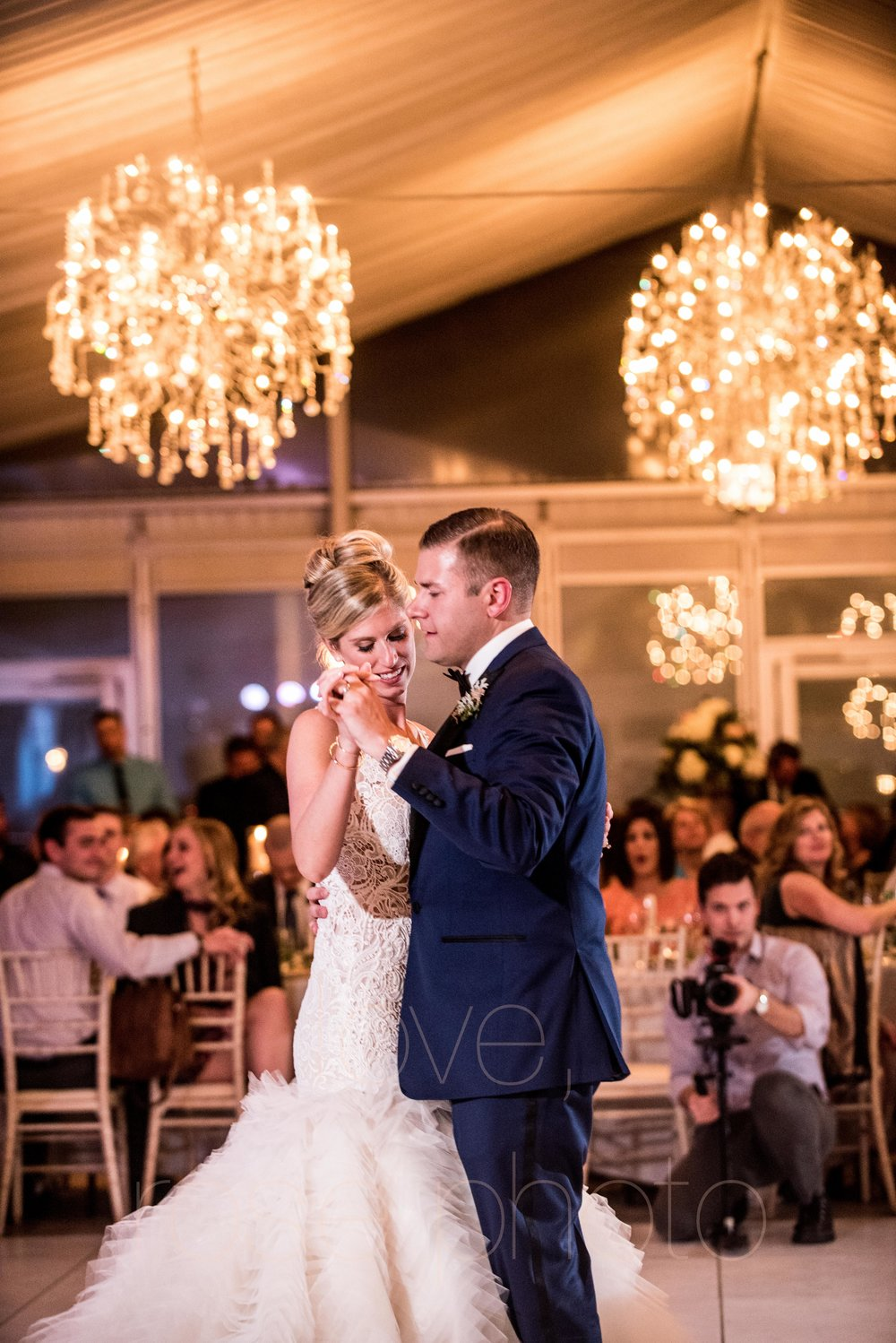 downtown spring wedding palmer house jewish galleria marchetii lazara gown by Rose Photo -50.jpg