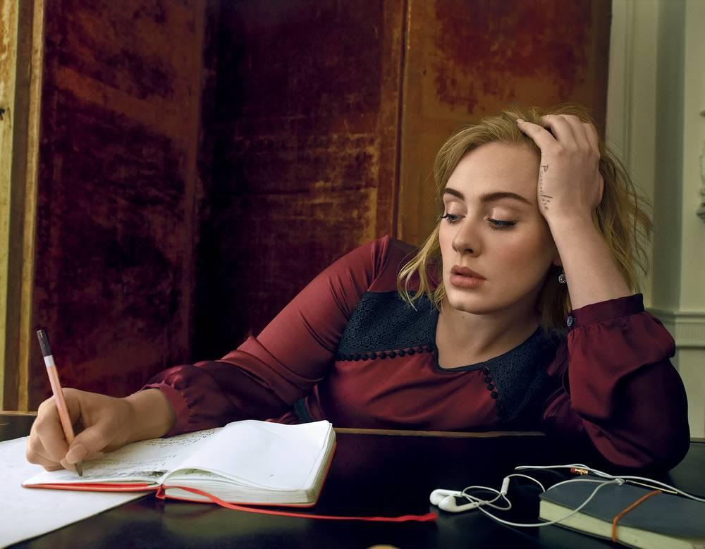 Adele-by-Annie-Leibovitz-7.jpg
