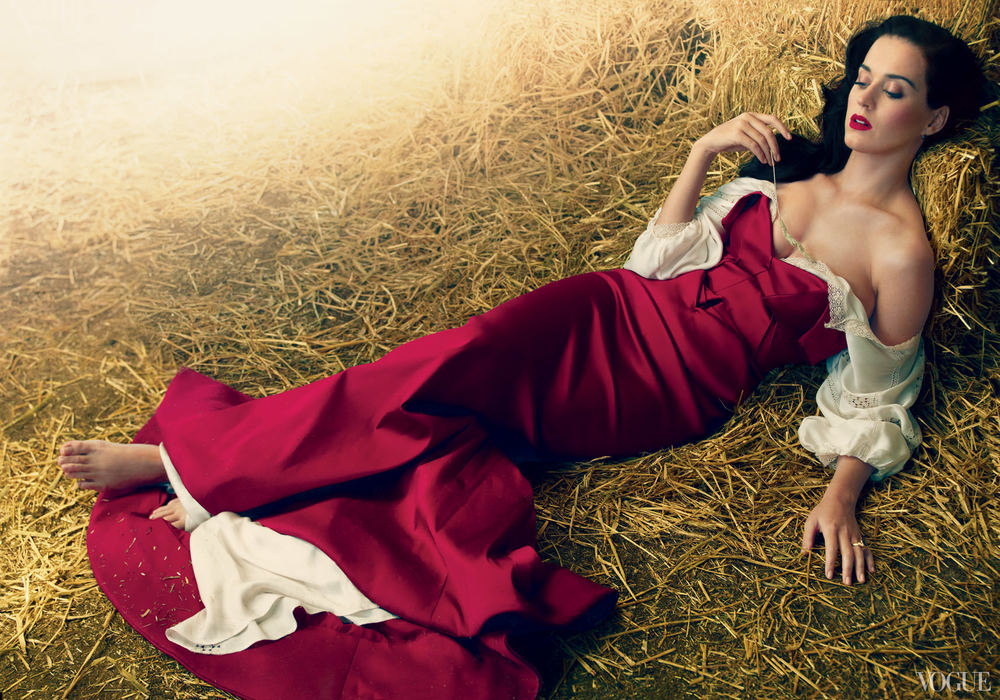 katy-perry-zac-posen-over-blumarine-vogue-july-2013-annie-leibovitz.jpg
