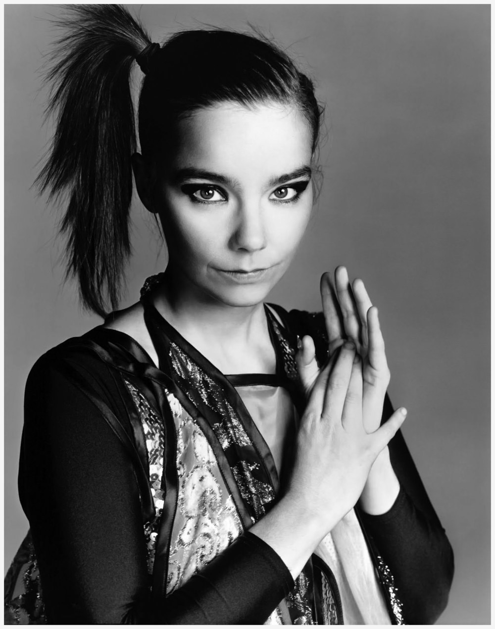 photo-richard-avedon-bjork-juin-2004.jpg