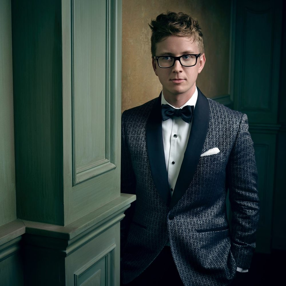mark-seliger-vf-oscar-party-2016-tyler-oakley.jpg