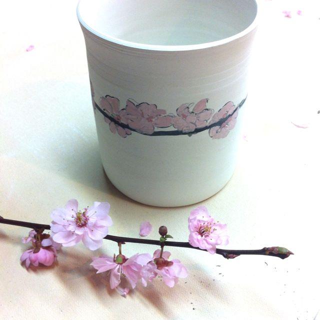 plum blossom sketch on porcelain tumbler