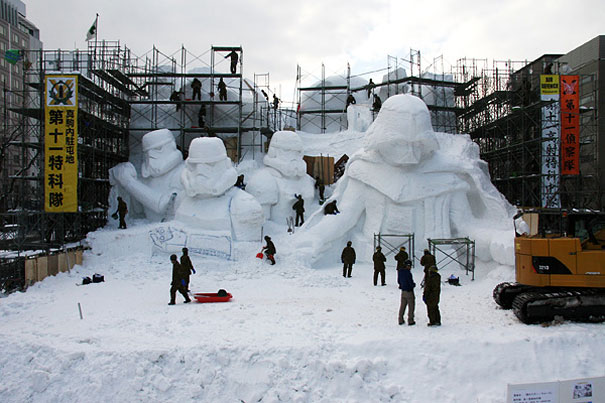 giant-star-wars-snow-sculpture-sapporo-festival-japan-18.jpg