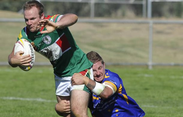 Evan Brown tackles a Wagga Brothers player in 2015