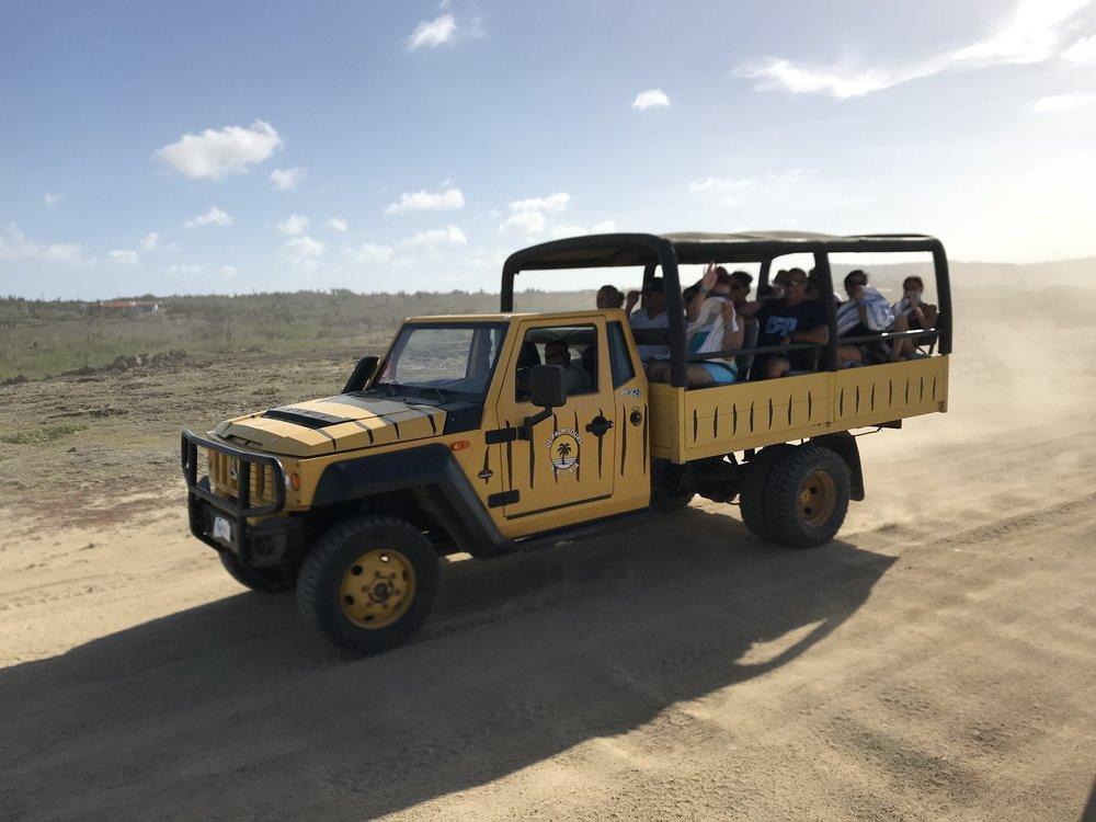 aruba renting a car how to get around
