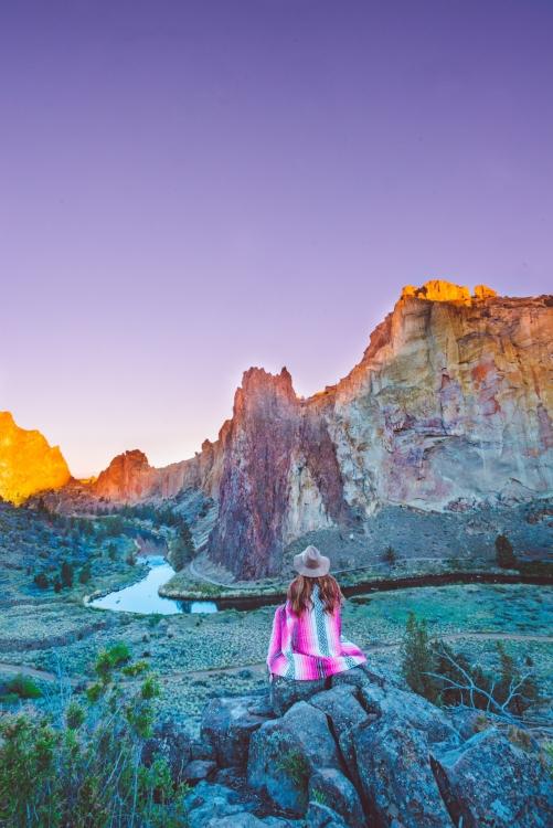 oregon road trip smith rock at sunrise