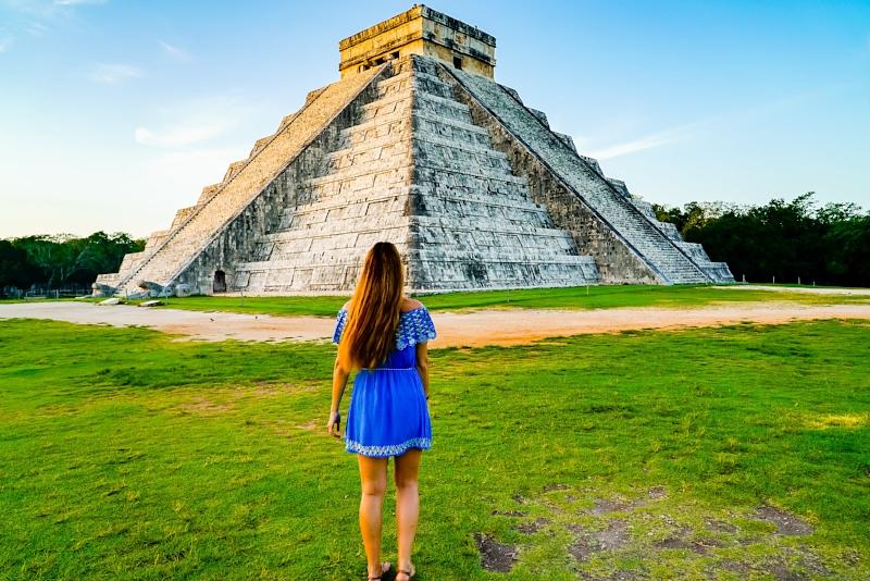 Chichén Itzá sunrise pyramid tour