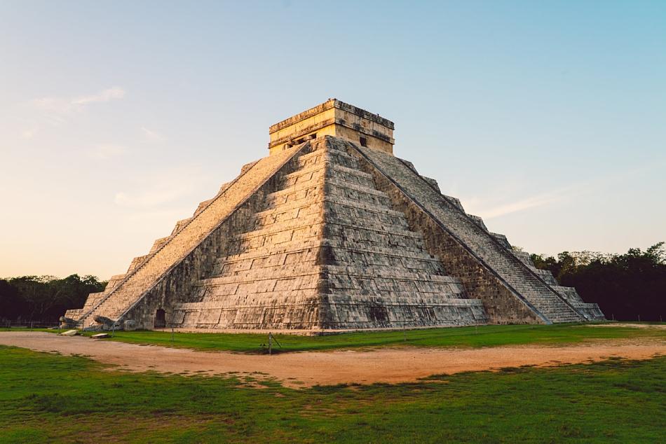 sunrise Chichén Itzá photos